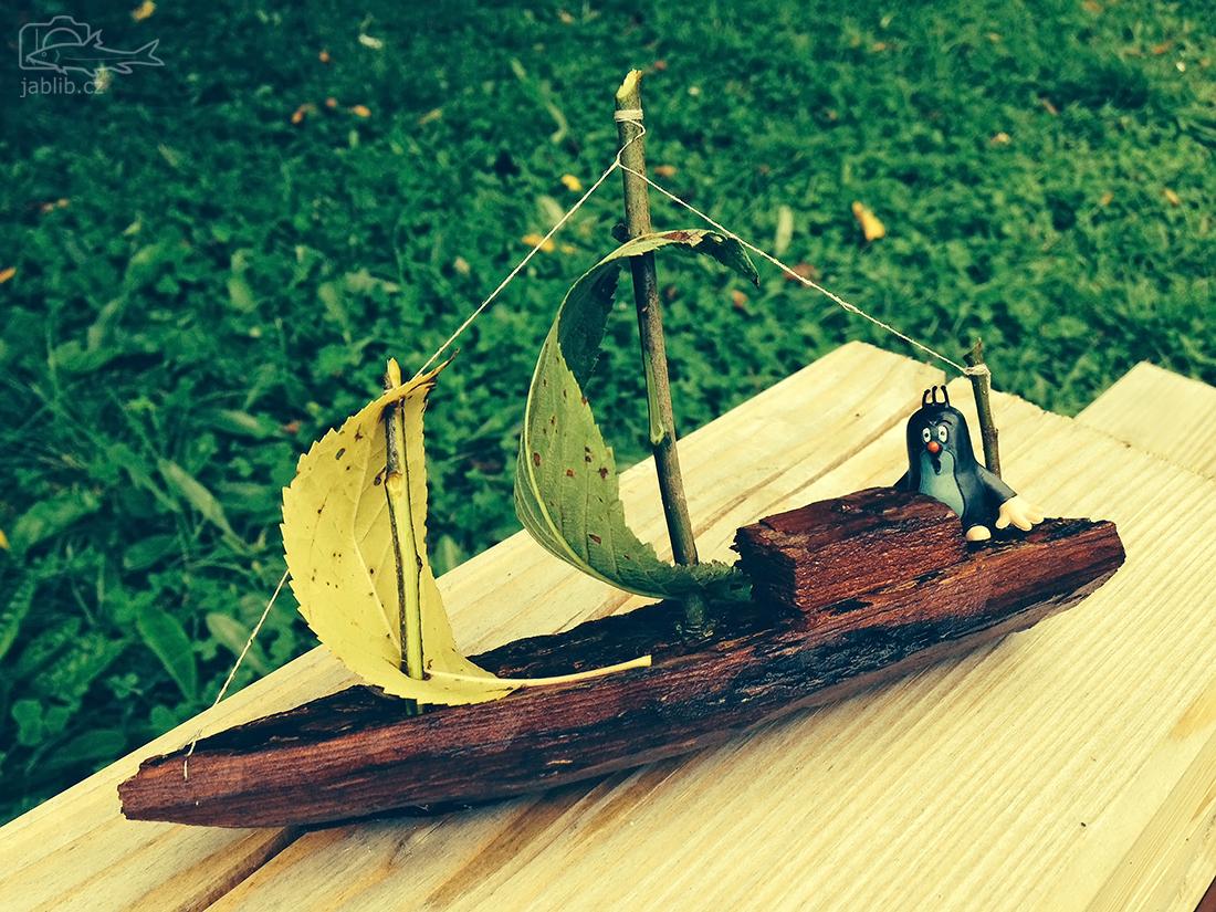 Odpolední piknik s pouštěním lodiček