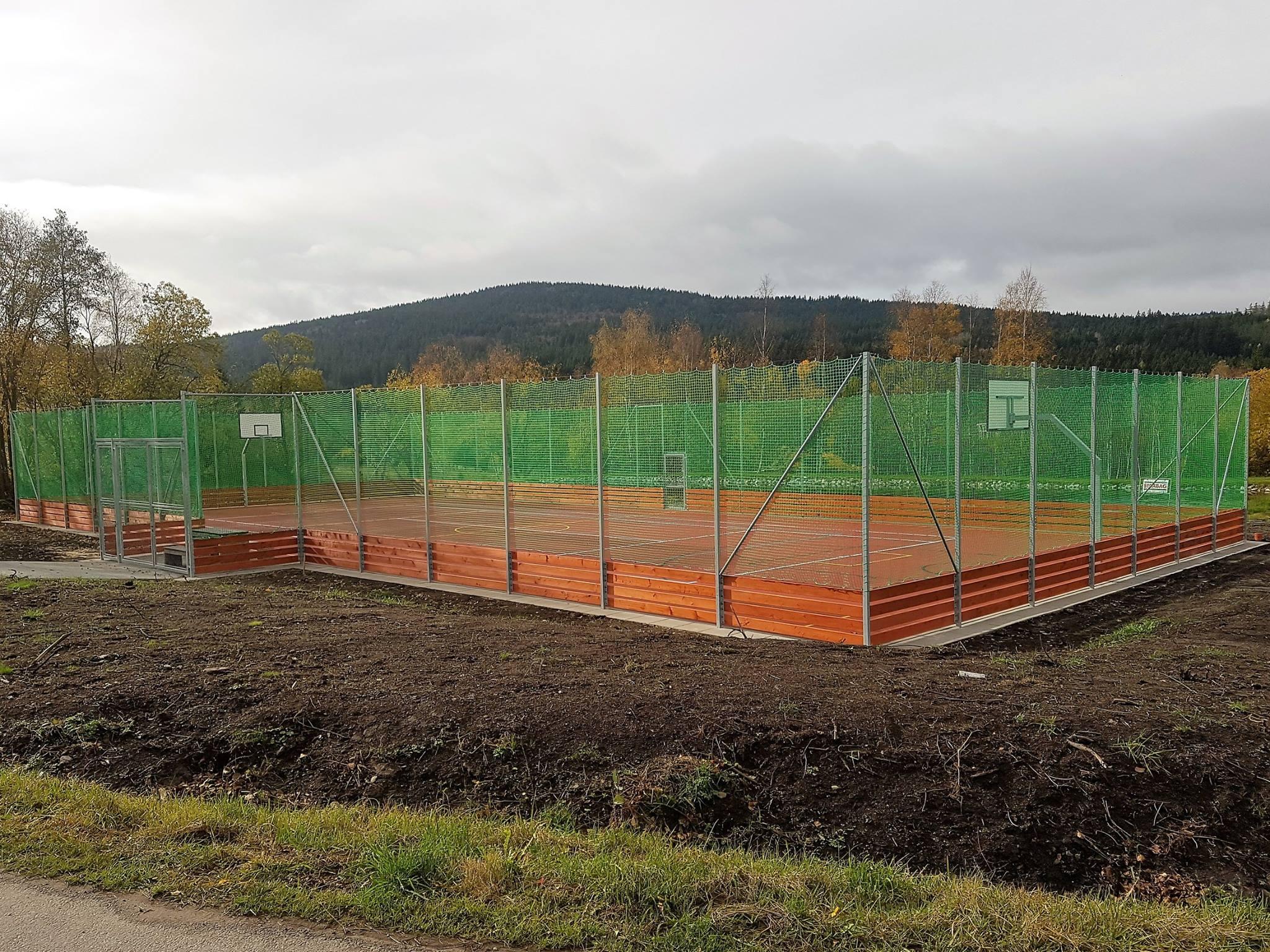 Sportovní hřiště Lipka